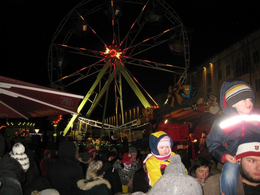 Menschen über Menschen am 2. Advent in Dessau